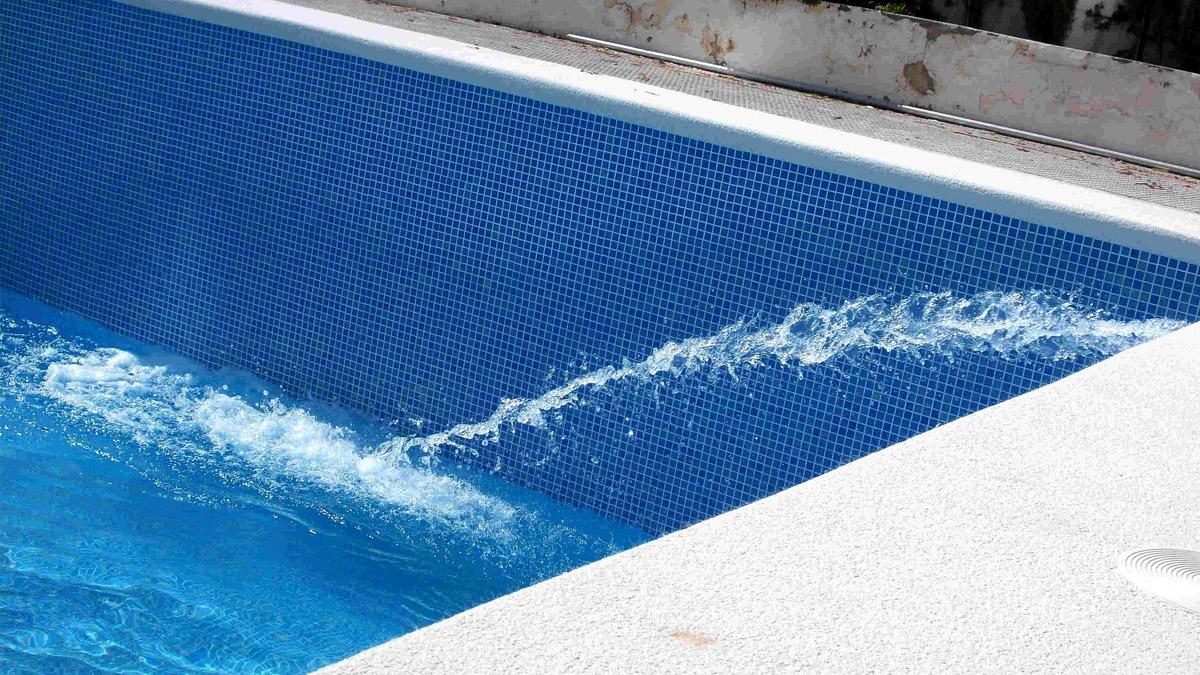 Como reparar una piscina con grietas de cemento o hormigon para el verano