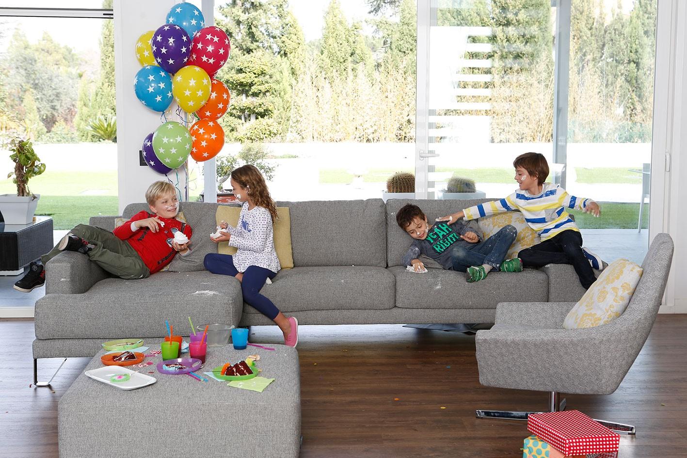 sofa especial mascotas y niños con tejido antimachas y antiarañazos