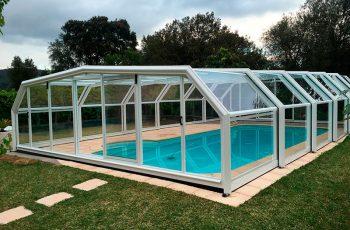 cubiertas de piscinas altas con puertas laterales
