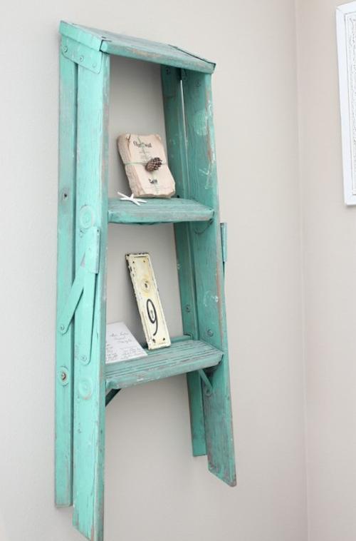 usos diferentes para escaleras en la decoracion estanteria vintage