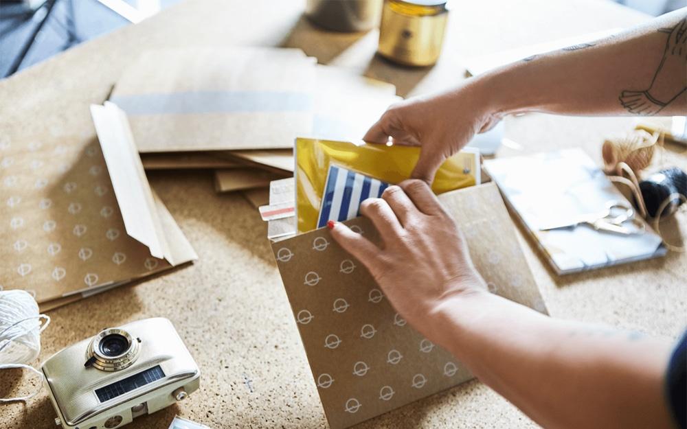 Enviar sobres para eventos y felicitaciones no pasa de moda